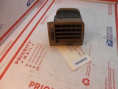 94-01 BMW 7-series LHdash air vent 8390109  NK0856