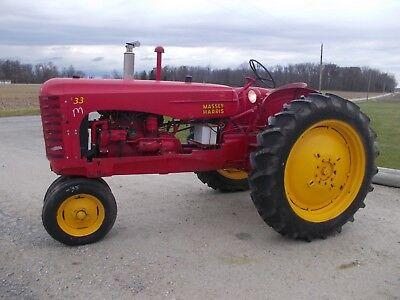 Massey Harris 33 Tractor Hitch Pto 12.4 X 38 Tires Runs Good Grill Screen Fende