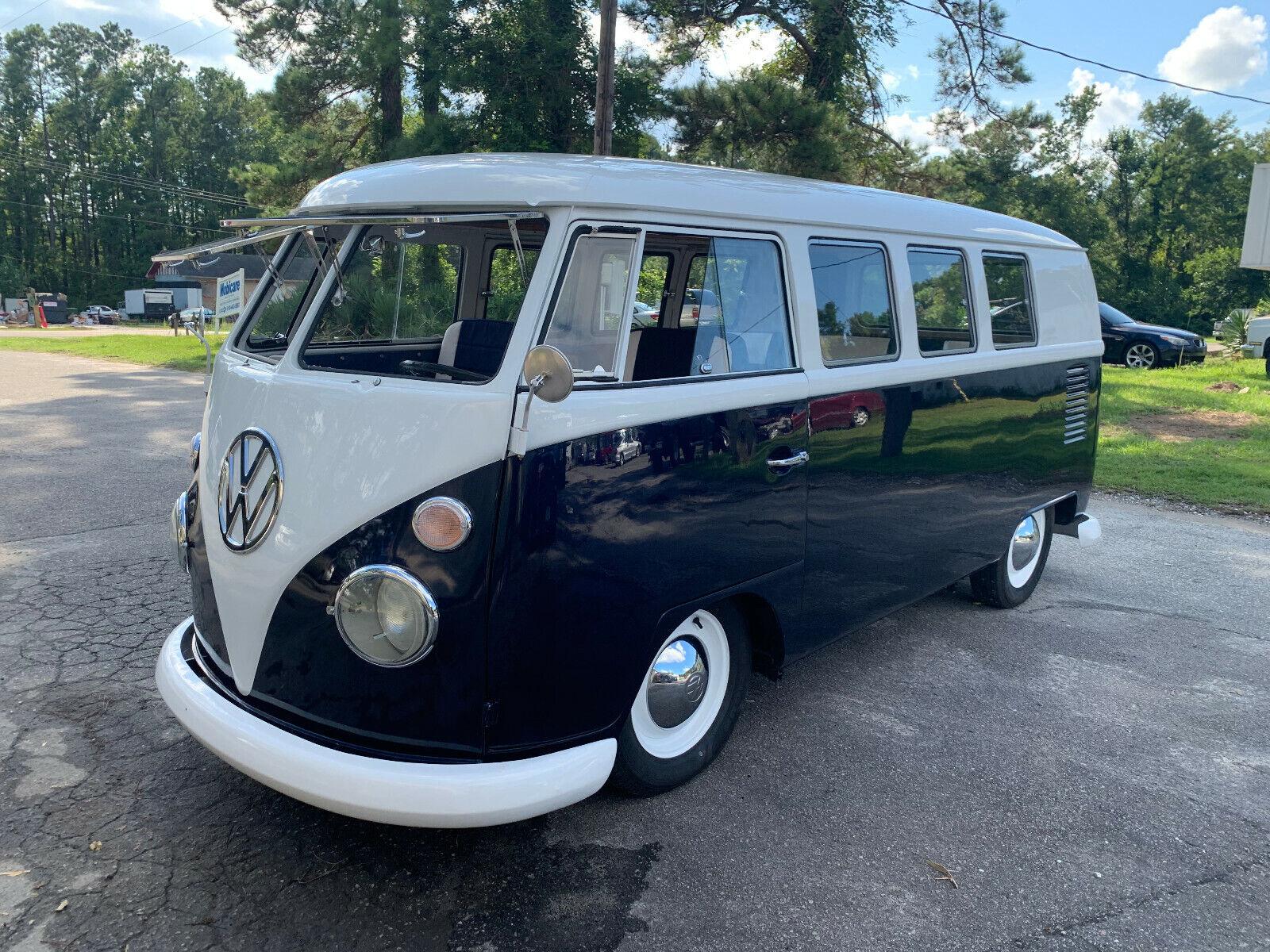 1965 Volkswagen Bus/Vanagon  Restored 1965 Split Window bus with lots of custom details