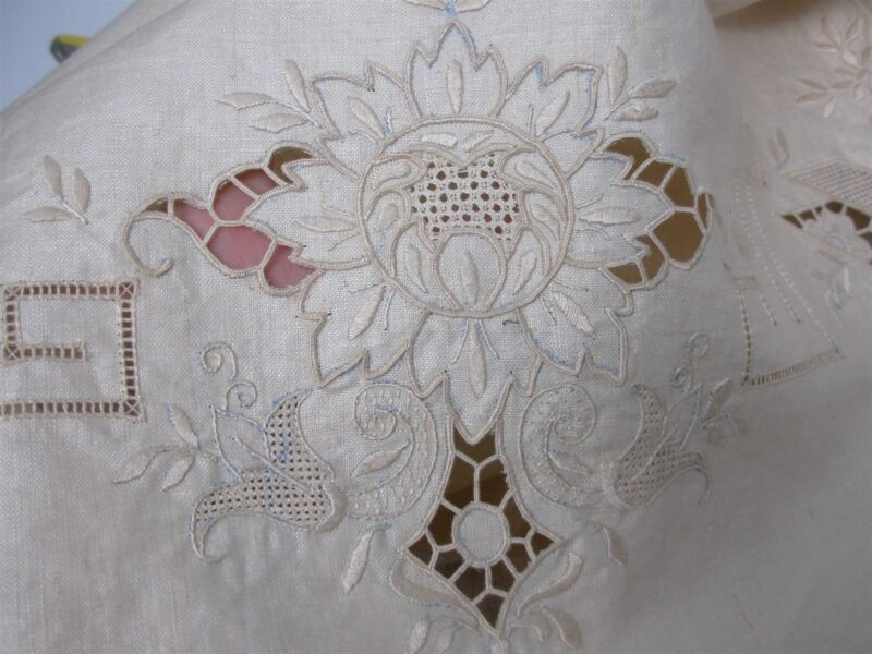 ANTIQUE LINEN TABLECLOTH w HAND EMBROIDERED FLOWERS & INTRICATE CUTWORK 71x102