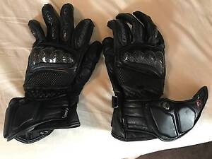 """Dririder """"Speed 2"""" Medium Gloves BARELY USED North Melbourne Melbourne City Preview"""