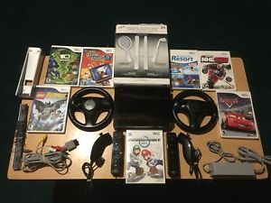 Wii bundle mario kart and Wii sports 7 games