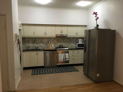 $140/w no extra fee , room for 4 girls in Broadway Nsw2037