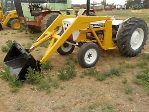 David Brown 880 with FEL Carisbrook Central Goldfields Preview