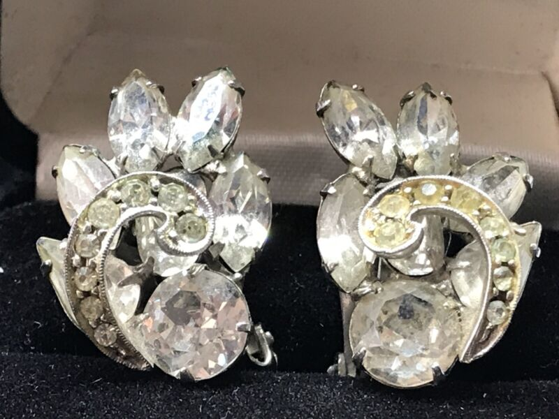 Vintage WEISS Marquise & Round Rhinestone, Flower, Clip on Earrings