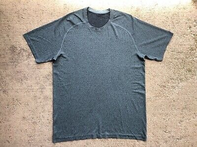 Lululemon Men's Metal Vent Tech Large Green Black Short Sleeve Shirt Crew Yoga