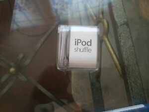 brand new ipod shuffle 2gb with box and all papers and cords
