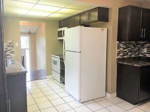 Beautiful & Spacious 3 Bed unit with A/C & Laundry