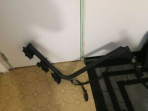 Bicycle carrier for hitch