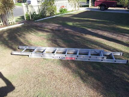 Ladder - Bailey extension ladder in good condition
