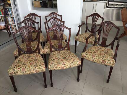 Set 8 Early 20th Century Hepplewhite Chairs