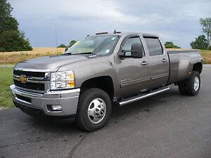 2013-Chevrolet-Silverado-3500-4WD-Crew-Cab