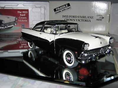 DANBURY MINT 1/24 1955 FORD CROWN VICTORIA