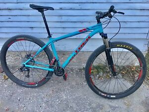 Trek X-Caliber 8 mountain bike hardtail 29er