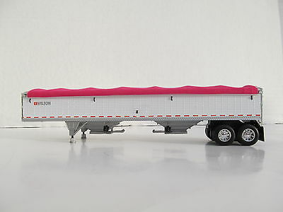DCP 1/64 SCALE WILSON GRAIN TRAILER WIHTE WITH PINK TARP AND SILVER HOPPERS
