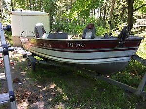 14' aluminum fishing boat w 40 hp Yamaha outboard, trailer,