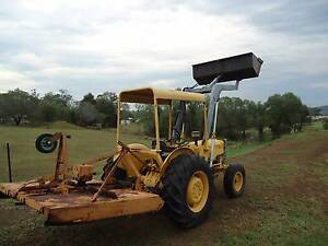 TRACTOR  MASSEY FERGUSON  FRONT END LOADER Hatton Vale Lockyer Valley Preview