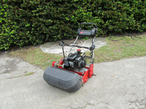 "2014 Toro Greensmaster 1600 Greens Reel Lawn Mower 26"" Cut Model 04056 w/ Basket"