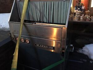 Commercial Bar or restaurant glass washer dishwasher