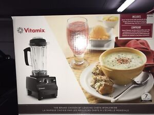 BRAND NEW VITAMIX TOTAL NUTRITION CENTER 3 WITH 7TEAES WARRANTY