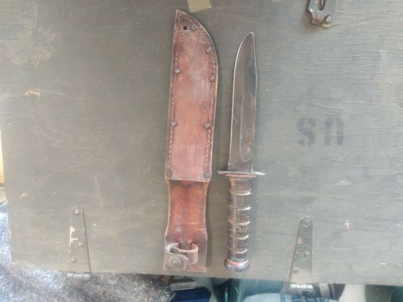 Original WW2 USMC Fighting Knife RARE Pal Early Generation Red Spacers Marines