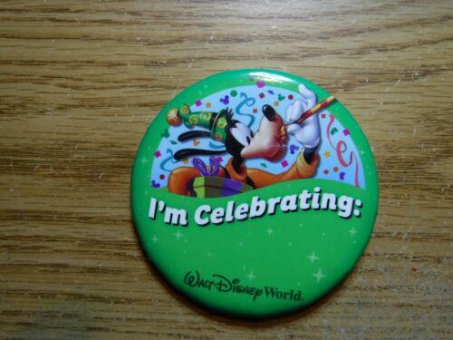 "Walt Disney World souvenir button ""I"