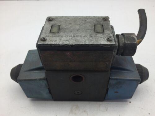Eaton Vickers DG 4S 4LW 012C B 60 Hydraulic Directional Control Valve