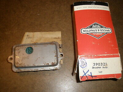 Briggs Stratton Gas Engine Breather 390321 New Old Stock Vintage