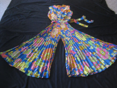 1970s Deadstock Psychedelic WILD Flowered ONE Piece JUMPSUIT UNused  S