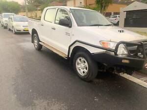 2008 Toyota Hilux SR 4X4 T/diesel 5 speed manual with full service . Mount Pritchard Fairfield Area Preview