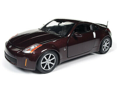 Auto World 2003 Nissan 350Z Coupe 1:18 Scale -