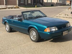 Nicest 1993 Mustang Convertible around 4Cyl, auto, under 92 km's