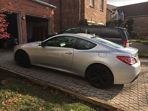 2011 Hyundai Genesis Coupe Premium with Extended warranty