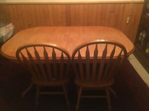 Dining room table and 4 chairs for sale  Winnipeg