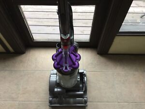 Dyson -DC28 air muscle Animal upright vacuum cleaner