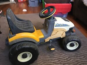 Kids ride-on Cub Cadet tractor by Peg Perego