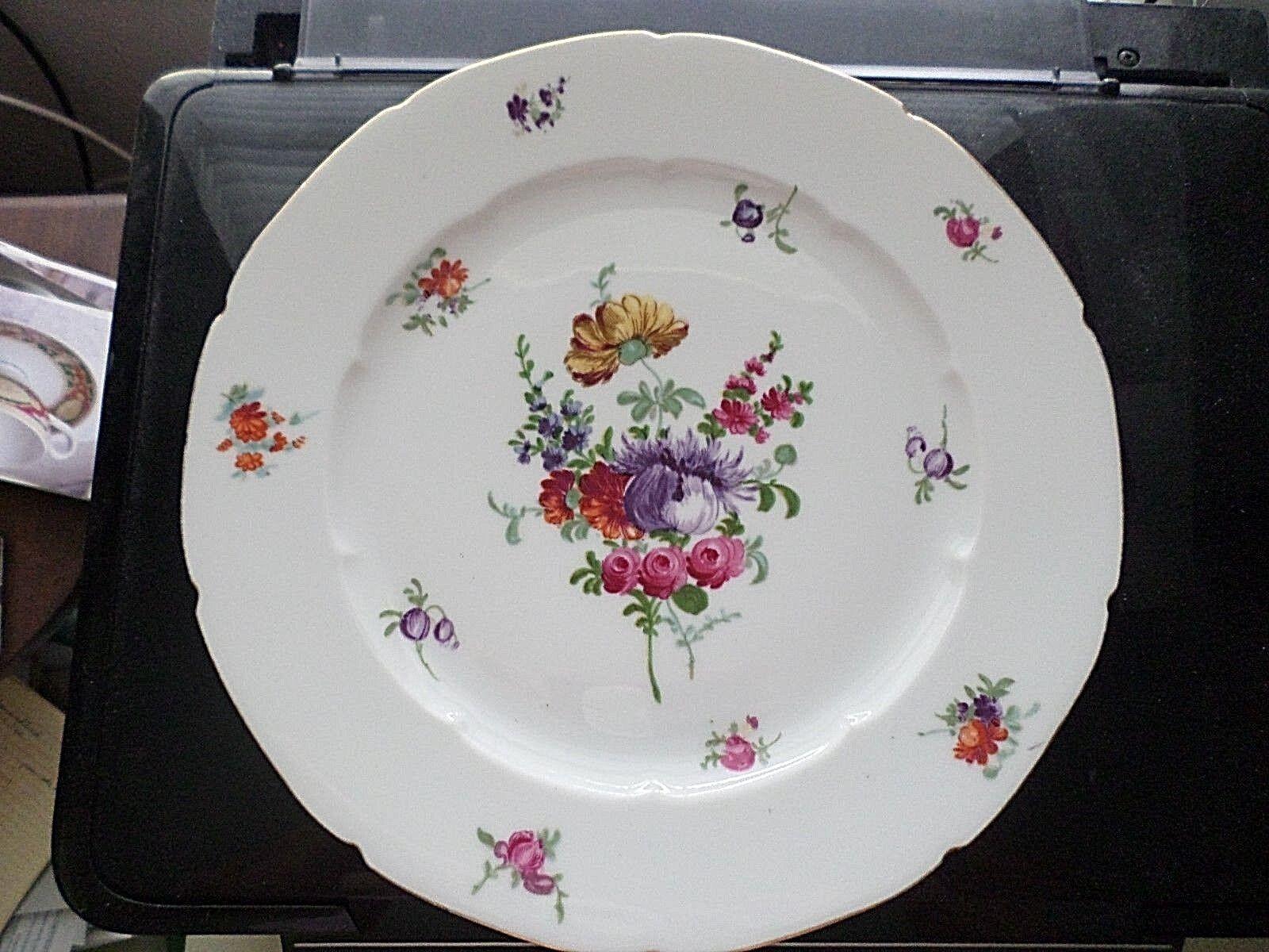 UNION CZECH DRESDEN FLOWER DINNER PLATE - $3.50
