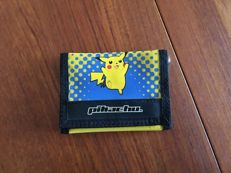 Pikachu Wallet - Vintage, Licensed Nintendo Product - VERY NICE!