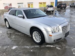 2010 Chrysler 300 Grand Touring, LOW KMS 130000Kms.