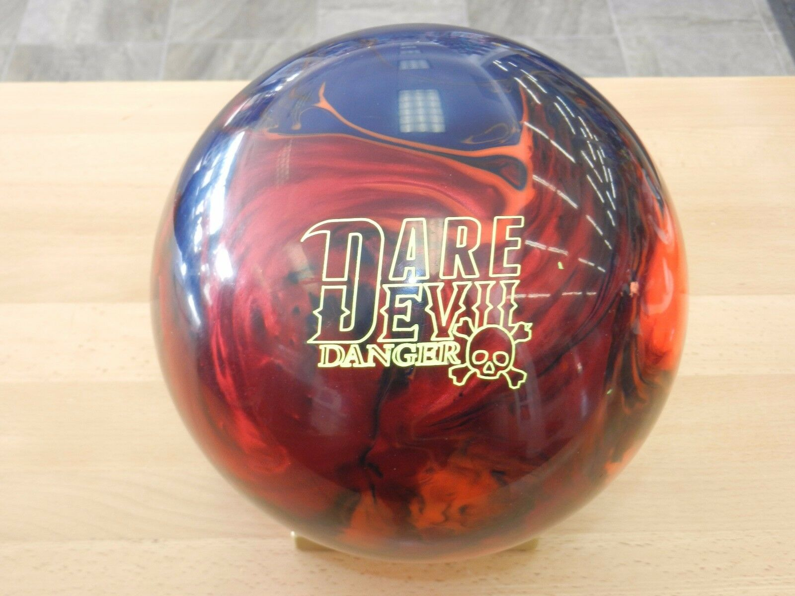 """14 Roto Grip Dare Devil Danger Bowling Ball 14.3/3-3.5""""/2.78 Tw"""