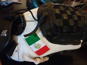 Worth 10 inch softball/teeball glove with Mexican flag South Perth South Perth Area Preview
