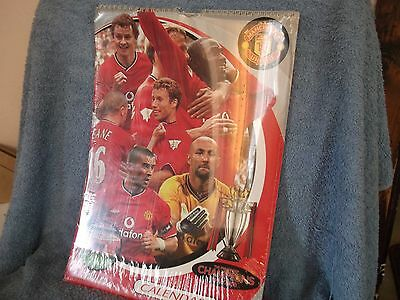 MANCHESTER UNITED FC OFFICIAL CALENDAR 2001...12 X 17 INCHES..UNOPENED