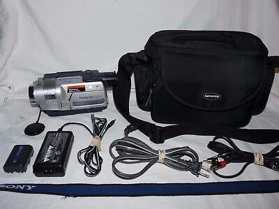 Видеокамеры SonyHandycam CCD-TRV318 8mm Video8 HI8