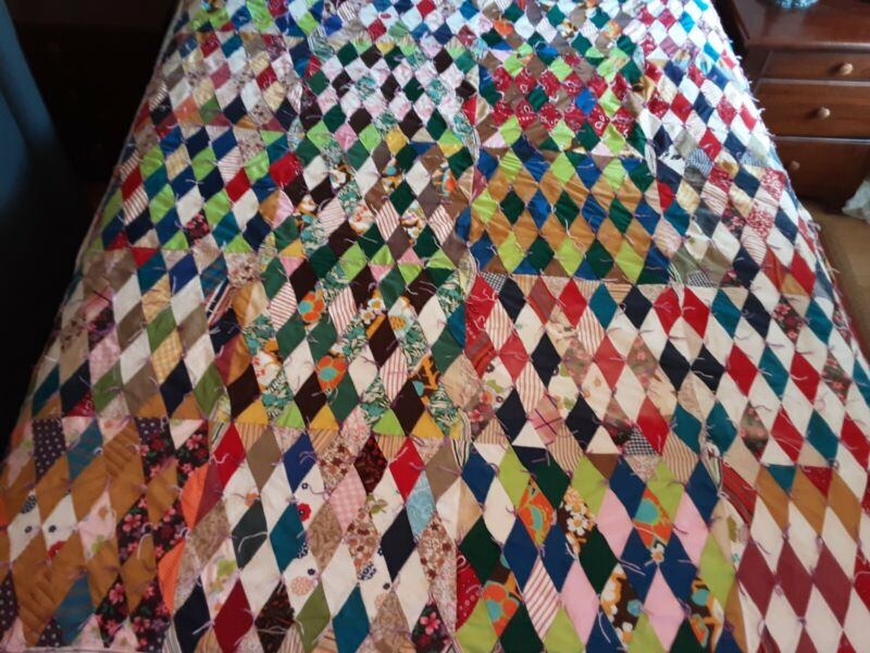"""Rag Style Diamond Quilt Approx 76"""" X 65"""" Colorful Beautiful"""