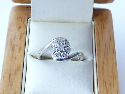 9ct White Gold Diamond daisy cluster ring, Approx 0.50 ct  sz O