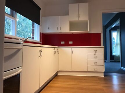 Rooms available for RENT in New Town