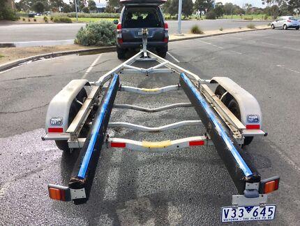 Aluminum boat trailer suit 5:8 to 7:4 boat