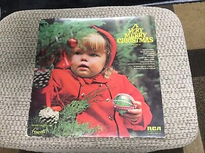 A VERY MERRY CHRISTMAS VOLUME VI [LP] RCA SPECIAL PRODUCTS PRS-427 ()