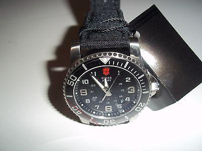 Victorinox Swiss Army  Maverick II 24135   Watch  Men black face fabric strap