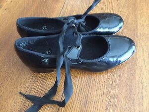 Size 7 tap shoes